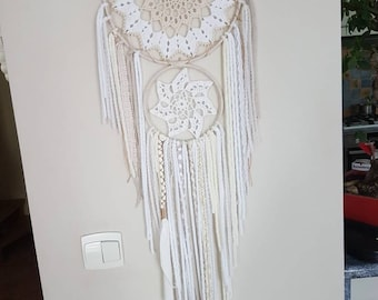 Bi-color doily dream catcher
