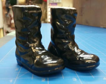 """Porcelain Black Boots, 2.25"""", Mangelsen's 173-74 (26)"""