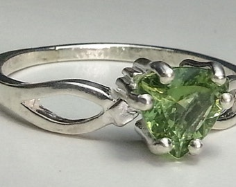 Natural Green Apatite Sterling Silver Ring Trillion 1.1 Carat  Size 8