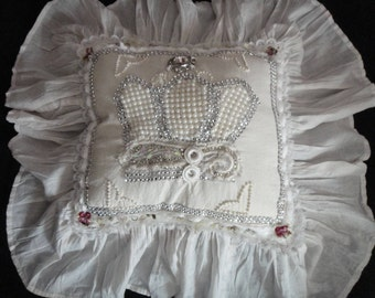 Pillow - Shabby Chic - Crown