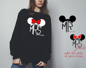 "Sweatshirt for a couple ""Mr Mrs Mickey"""