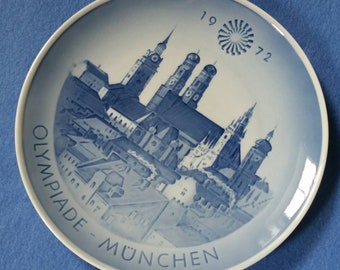 Olympiade Munchen 1972 Olympics souvenir plate, ceramic plate, blue and white delft plate by Royal Copenhagen Denmark