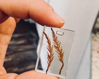 Leaf resin pendant
