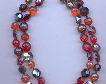 Beautiful 2-strand vintage necklace, certainly a Vogue: rich reds and oranges