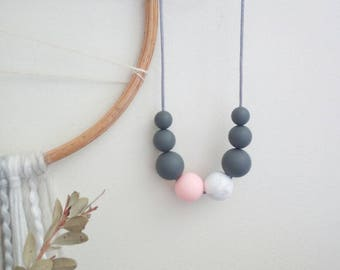 Silicone bead necklace // nursing necklace // charcoal grey, pink and marble