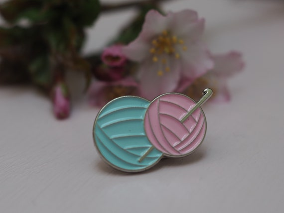 Betsymakes Crochet Hook & Yarn Enamel Pin