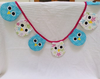 Garland pennants of 9 flowers owls