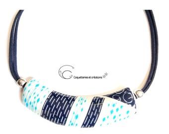 Collier Torque  bleu et blanc en pâte polymère fimo sérigraphié Fait main bijou féminin