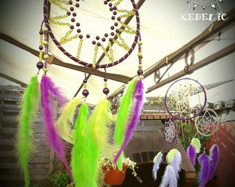 Dream catcher, dreamcatcher, purple and green seed beads and cat's eye.