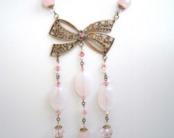 Medium-long necklace of creator of Crystal and glass beads pink pale, string and print aged Golden Knot - Collection romantic