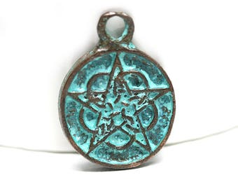 Pentacle pendant Pentagram charm Verdigris Green Patina copper pendant Greek metal casting pentacle charm - 1pc - F280