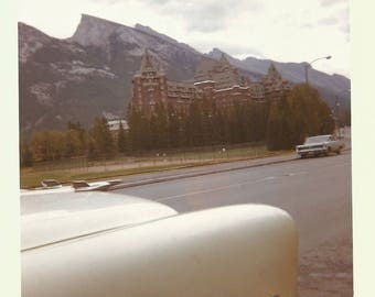 """Vintage Photo """"Roadside Attraction"""" Out Of Frame Car Hotel Mountains Kodacolor Found Vernacular Photo"""