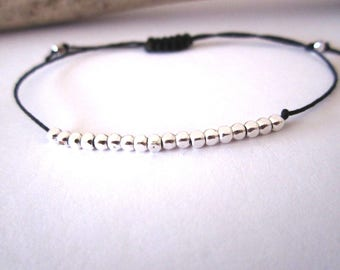 Bracelet sliding silver plated geometric beads