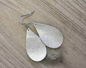 Small winter white shimmer leather teardrops