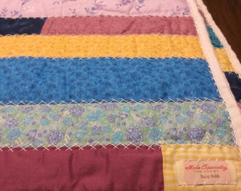 Lap Blanket Quilt Hand Made Looks Like New