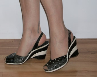 Incredible 1950s two tone and lurex peep toe wedge sandals US 7 1/2 M UK 5 1/2 VLV