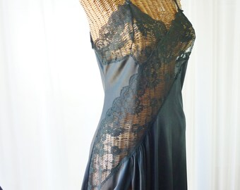 60s Lace Floor Length Nightgown American Union Made Unworn Large