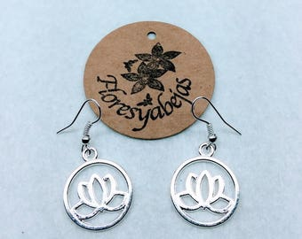 Silver earrings with lotus flower