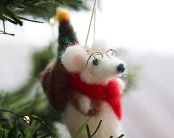 Needle Felted Christmas Mouse