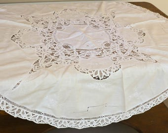 Round Tablecloth, Vintage Battenberg Lace Circle Table Topper, 50""