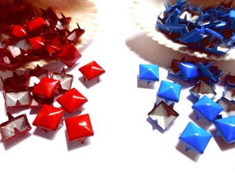 50 Red Or Blue Pyramid Square Studs - 9mm - 20-S-1
