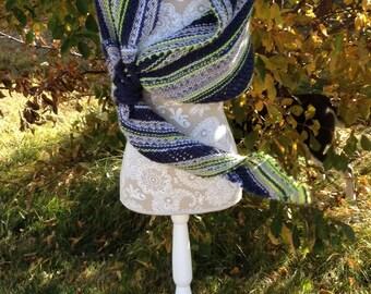 Chinook Winds Shawl -- a loom knit pattern