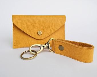 Geschenkset mit Leder Kartenetui und Schlüsselanhänger Natur beige Unisex mini Portmonee