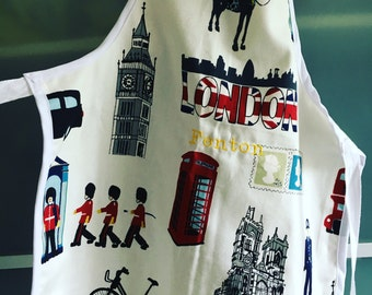 Apron for kids up to 5y old - handmade - Embroidered message available