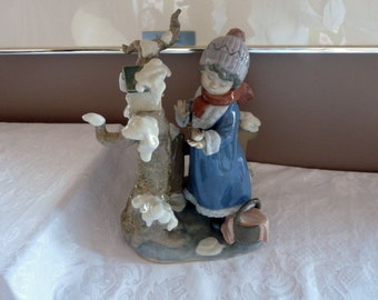 LLADRO Made in Spain Retired WINTER FROST #5287 Girl with Birds by the Sculptor Antonio Ramos
