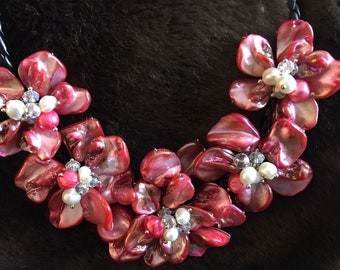Fashion Baroque Shell Flower Fresh Water Pearl Sea Shell Leather Necklace