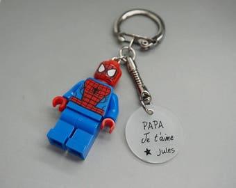"""porte clé spiderman cabochon médaille """"Papa je t'aime """" personnalisable"""