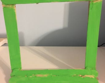The vibrant picture frame (green)