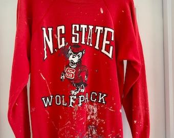 VINTAGE  1980s N.C. State Wolfpack Sweatshirt // PAINT SPLATTERED // Red // Crewneck// Large