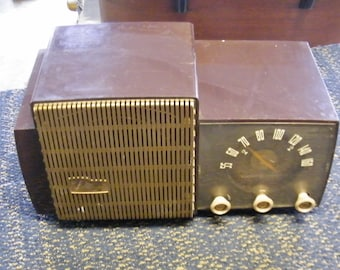 1950's General Electric Radio Model 431