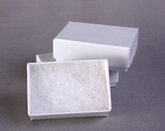 100 tiny white jewelry boxes filled with cotton - 1 7/8'' x 1 1/4'' x 5/8''H - 49mm x 33mm x 18mm (1628) - Canadian shipping