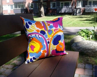 Floral pillow cover from Marimekko fabric Pieni Karuselli, modern Scandinavian designer decor, summer retro throw pillow or cushion cover