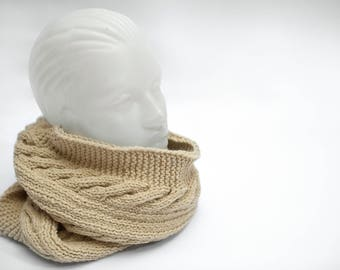 Beige Knitted Infinity Scarf, Handmade, Casualness an Elegance, Woman Accessories, Handmade Scarf