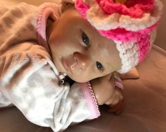 Newborn Baby Girl Hat / Crochet Baby Hat / Baby Girl Crochet Hat / Baby Shower Gift / Baby Gift