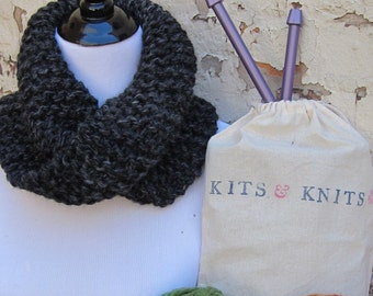 Knitting Kit DIY Beginner Knit your own twisted mobius cowl. Includes simple, beginner knitting pattern, needles, bulky yarn and project bag