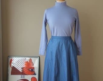 70s Vintage Blue Poplin Skirt with pockets and front kick pleats gathers in back White Stag Small Medium