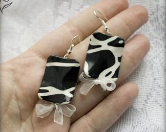 modern black and white earrings abstract geometric unique earrings minimalist Lightweight dangle earrings monochrome Stylish square earring