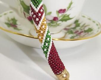 Crochet bracelet with beading, colored bracelet, soft cuff, bracelet with fancy design, bracelet with geometric design