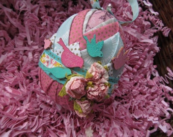 Folded Fabric, decorative Easter eggs, roses, birdies and such