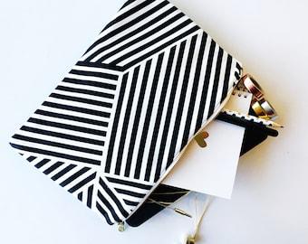 Case - Large Black & White Striped Case - iPad / Tablet / Nook / Kindle / eReader / Pencil / Makeup Case