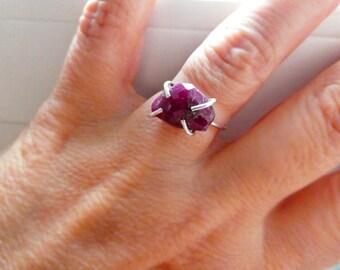 Raw ruby sterling silver ring- Pink gemstone silver size 7 ring- Natural ruby stone ring  - boho ring - Fashion,trendy ring- Women gift