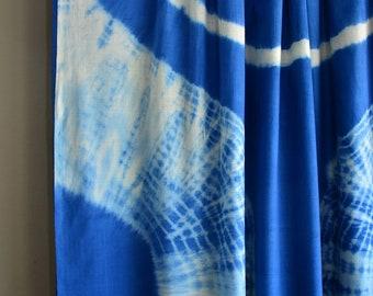 Hand-spun and handwoven tie and dyed khadi muslin saree , khadi fabric , khadi sari , tie and dye cotton , Indian fabric, Indian saree.