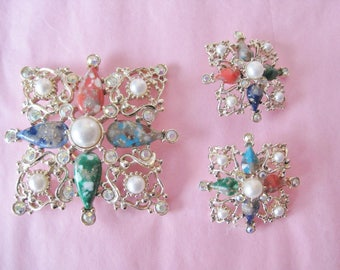 Sarah Coventry Demi Parure / Vtg 70s / Square Filigree Mottled Cabochons & rhinestones / Brooch and Earrings