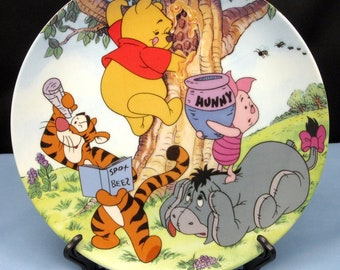 Vintage 1997 Disney Winnie the Pooh Collector Plate A STICKY SITUATION, Fun in 100 Acre Woods: Winnie Piglet Tigger Eeyore Bradford Exchange