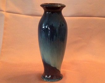 Earth to sky pottery vase of brown to dark blue
