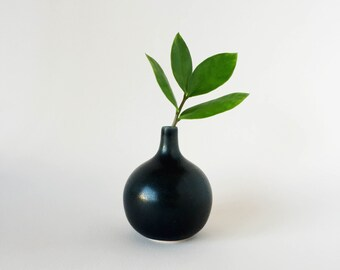 Mini Bud Vase (Black)